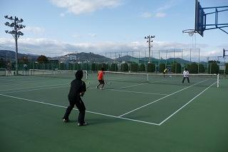 硬式テニスコート